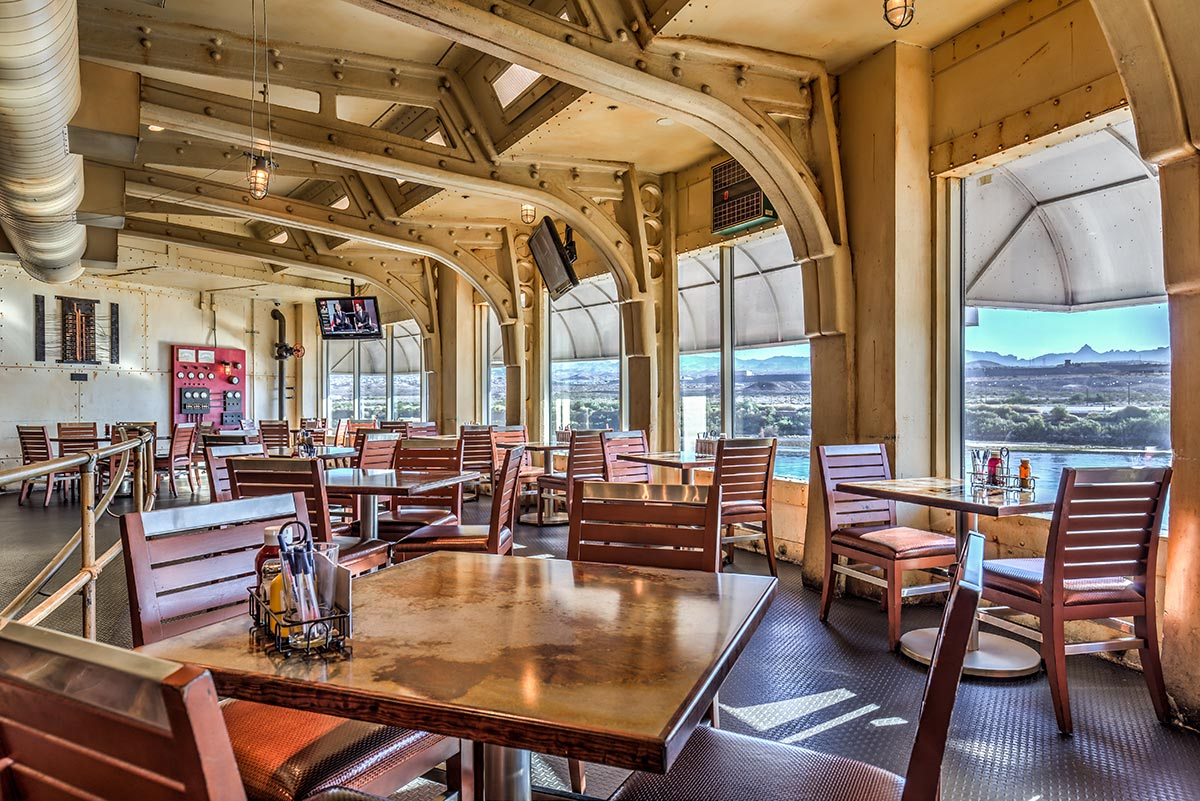 River view seating at Pints Brewery & Sports Bar